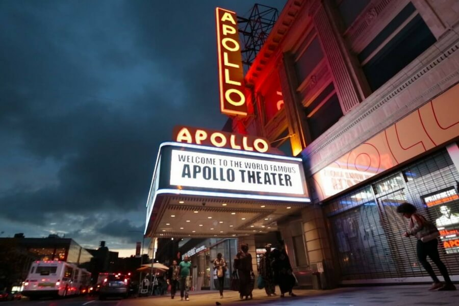 Apollo Theatre בהארלם כחוויה אורבנית