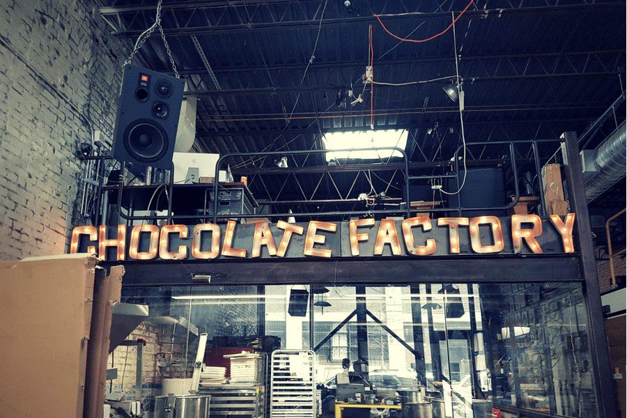 בית חרושת לשוקולד טעים ונעים.